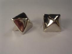 Standard Pyramid Studs Bag of 500